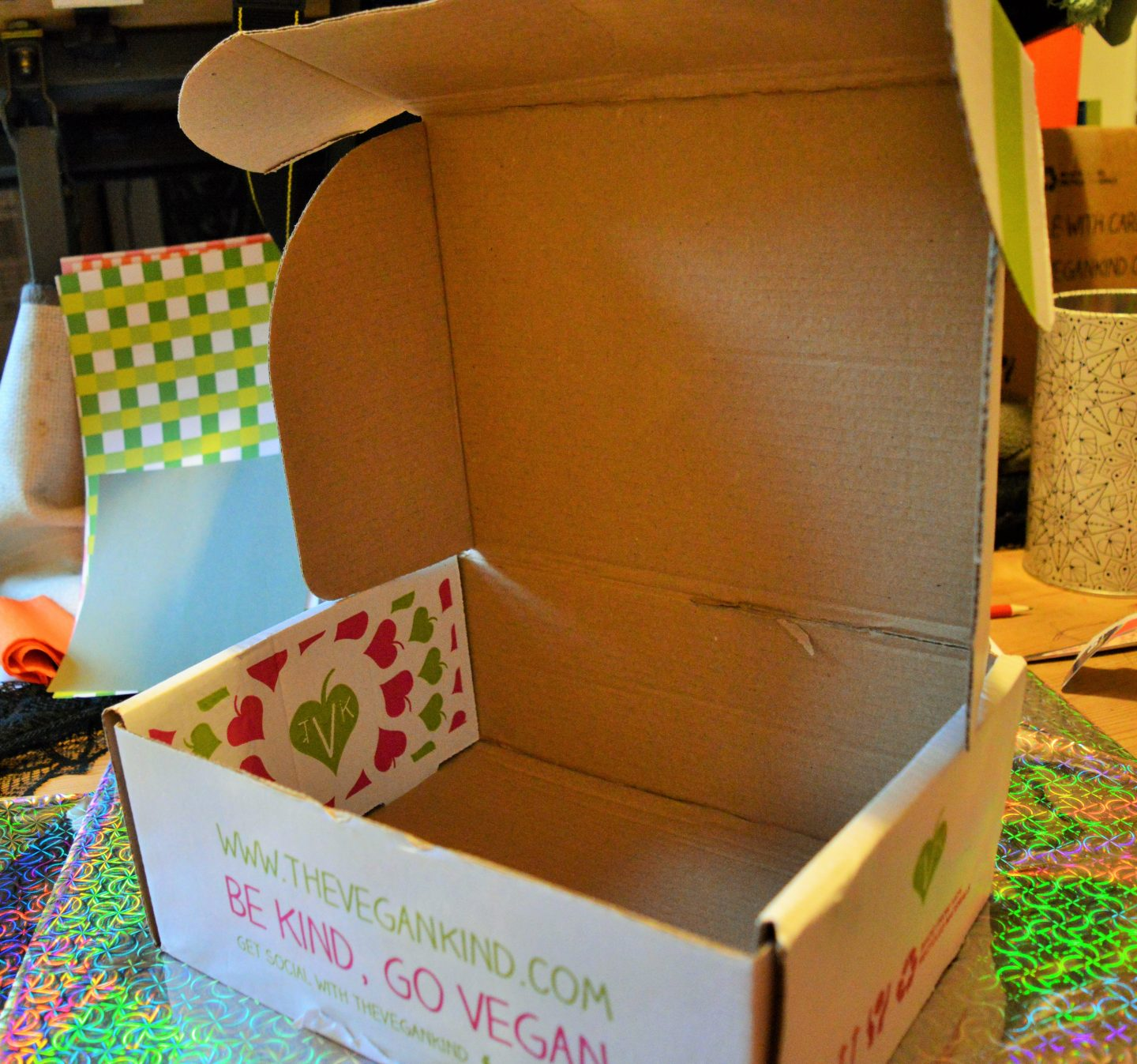 Make a Sweetie Robot Craft cardboard box with flaps to close