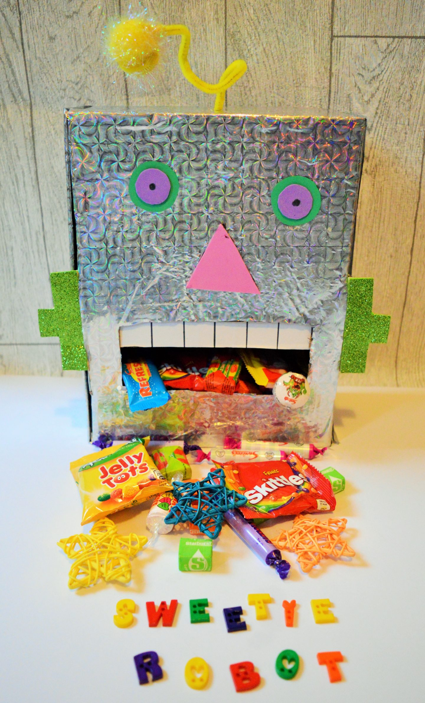 Make a Sweetie Robot Craft complete robot with sweeties coming out its mouth